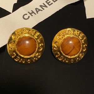 AUTHENTIC! CHANEL Vintage Clip-On Earrings